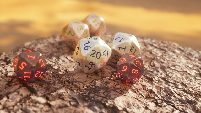 How does Lucky 5e feat dnd interact with advantage & disadvantage?